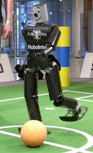 German Open 2007: Robotinho kicking
